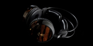 meze_88-_wood_audiophile_headphone.jpg