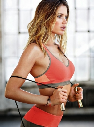 doutzen-kroes-for-vsx-december-2013-050.jpg