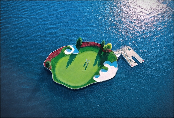 floating-green-coeur-dalene-golf-course.jpg