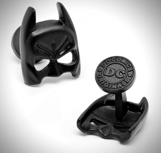 the-dark-knight-batman-cufflinks.jpg