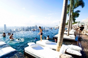 marina-bay-sands-hotel-in-singapore-1.jpg