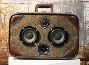 case-of-bass-vintage-suitcase-boombox-6.jpg