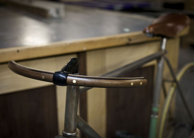 handcrafted-wooden-bicycle-handlebars-6.jpg