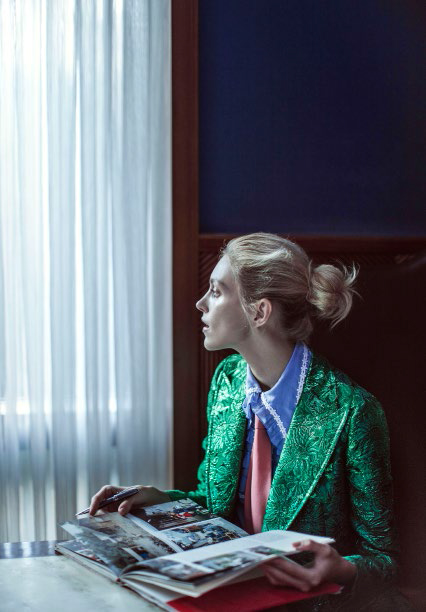 vogue_china-february_2016-anja_rubik-sasha_pivovarova-by-chen-man-03b.jpg