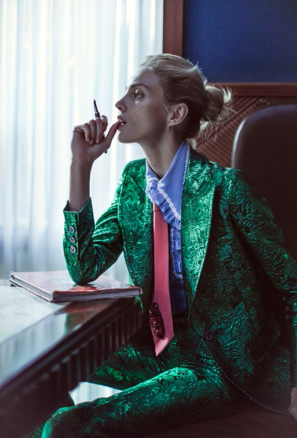 vogue_china-february_2016-anja_rubik-sasha_pivovarova-by-chen-man-03c.jpg