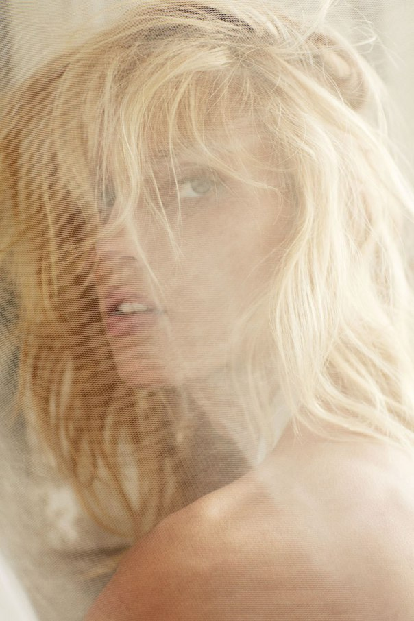 anja-rubik-by-nico-for-the-edit-november-2014-3.jpg