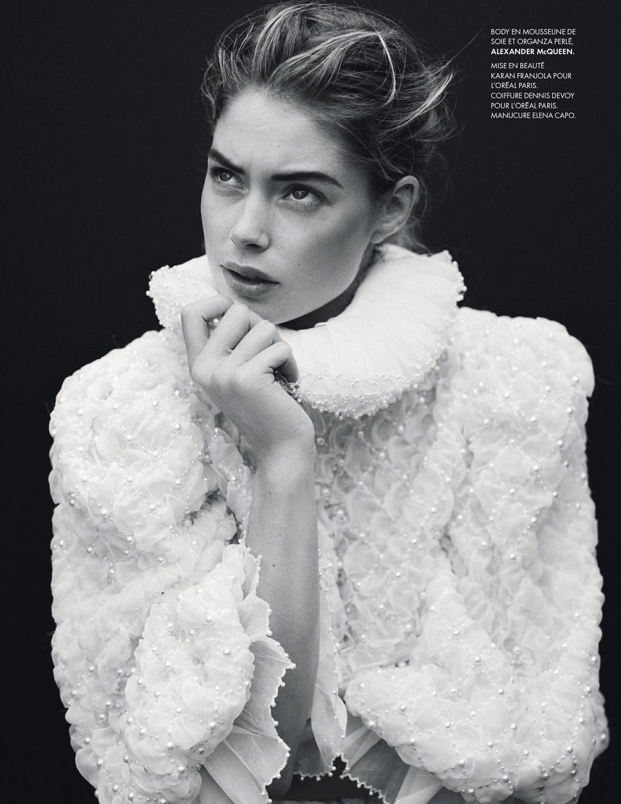 fashion_scans_remastered-doutzen_kroes-elle_france_2-issue_3531-scanned_by_vampirehorde-hq-24.jpg