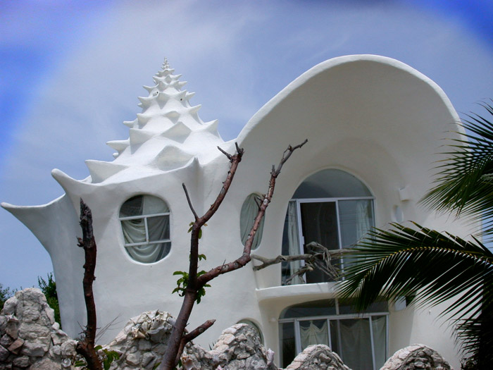 19-33-worlds-top-strangest-buildings-conch-shell-house-isla-mujeres1.jpg