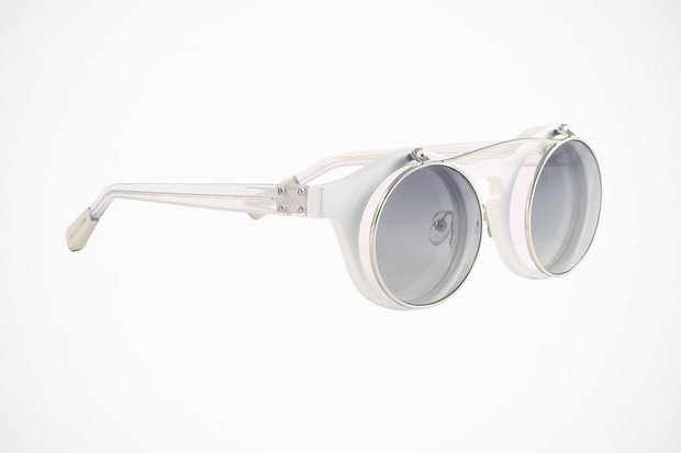 krisvanassche-spring-summer-2013-eyewear-collection-5-620x413.jpg