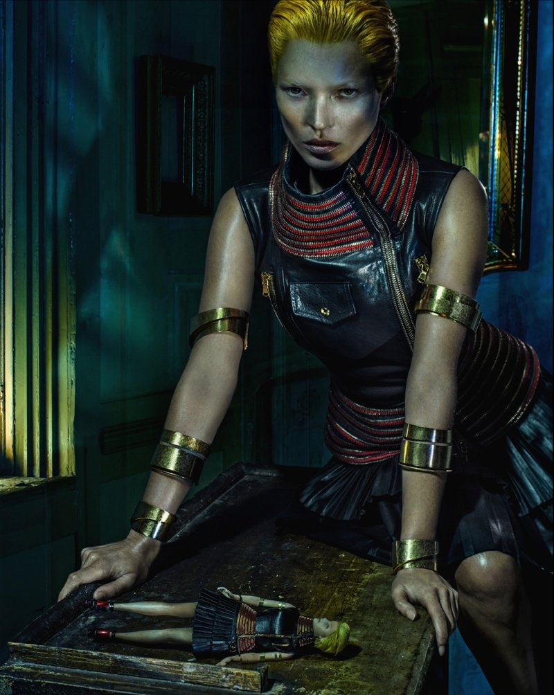 800x1004xalexander-mcqueen-spring-summer-2014-campaign-kate-moss-photos-0005.jpg.pagespeed.ic_.lvlbvly29x.jpg