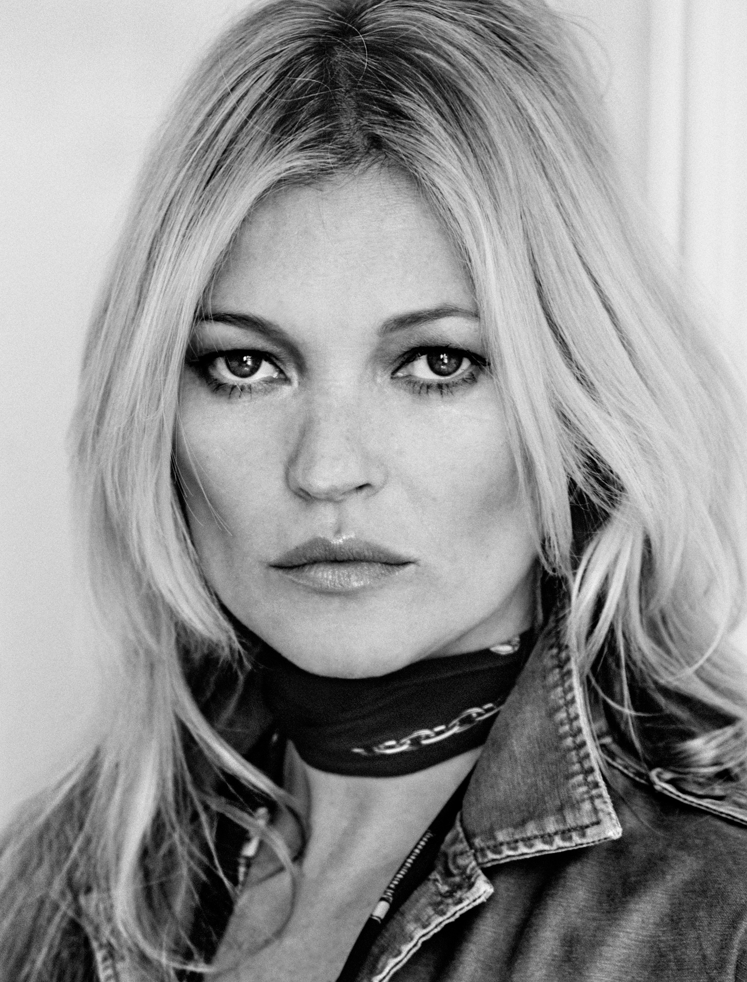 kate-moss-by-chris-colls-for-the-edit-june-2016-4.jpg