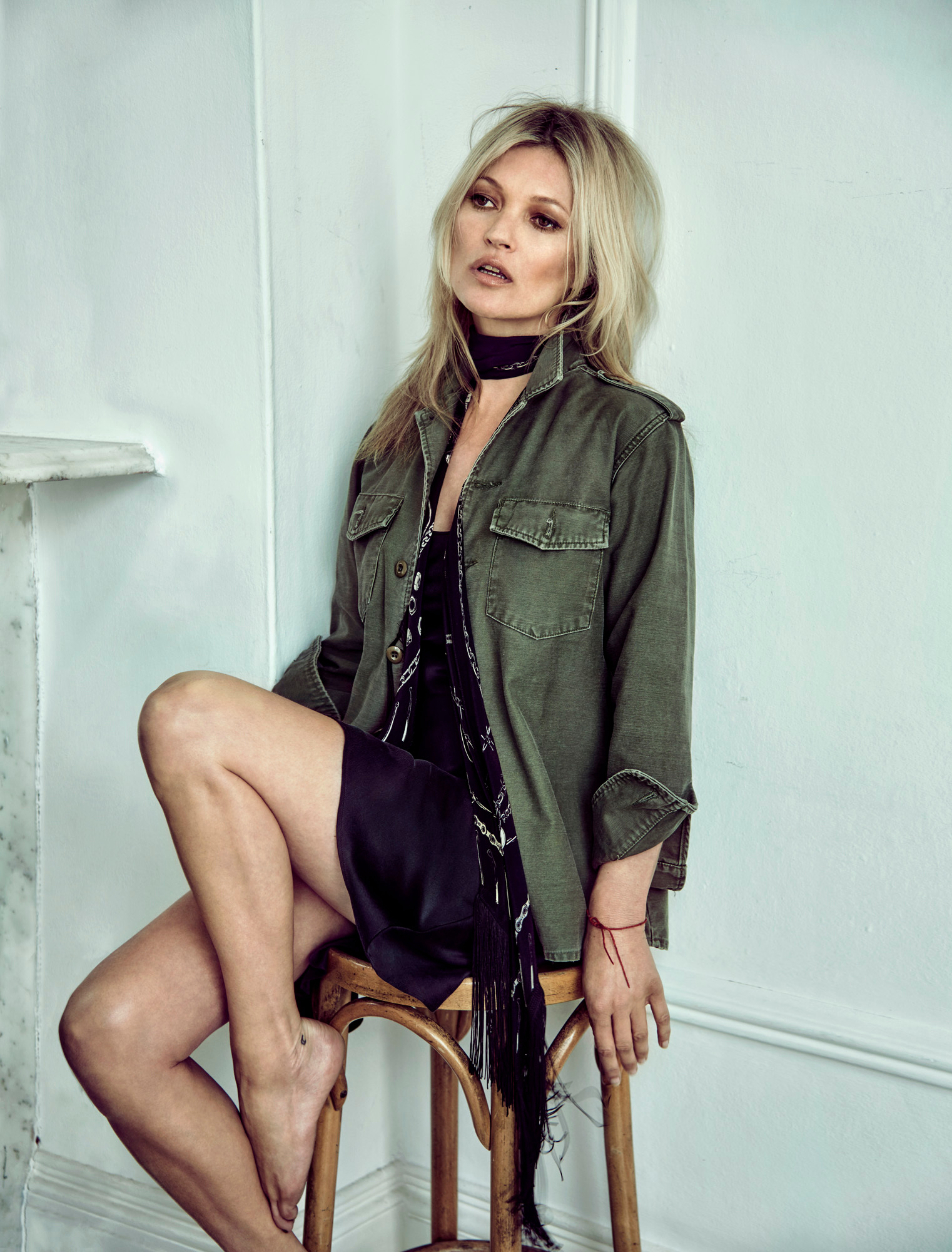 kate-moss-by-chris-colls-for-the-edit-june-2016-5.jpg