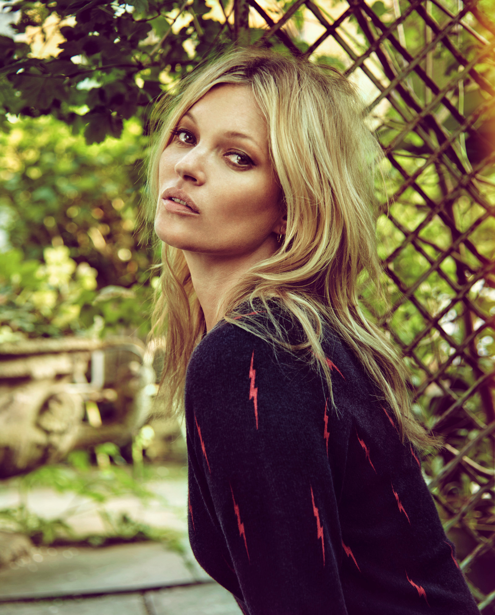 kate-moss-by-chris-colls-for-the-edit-june-2016-6.jpg