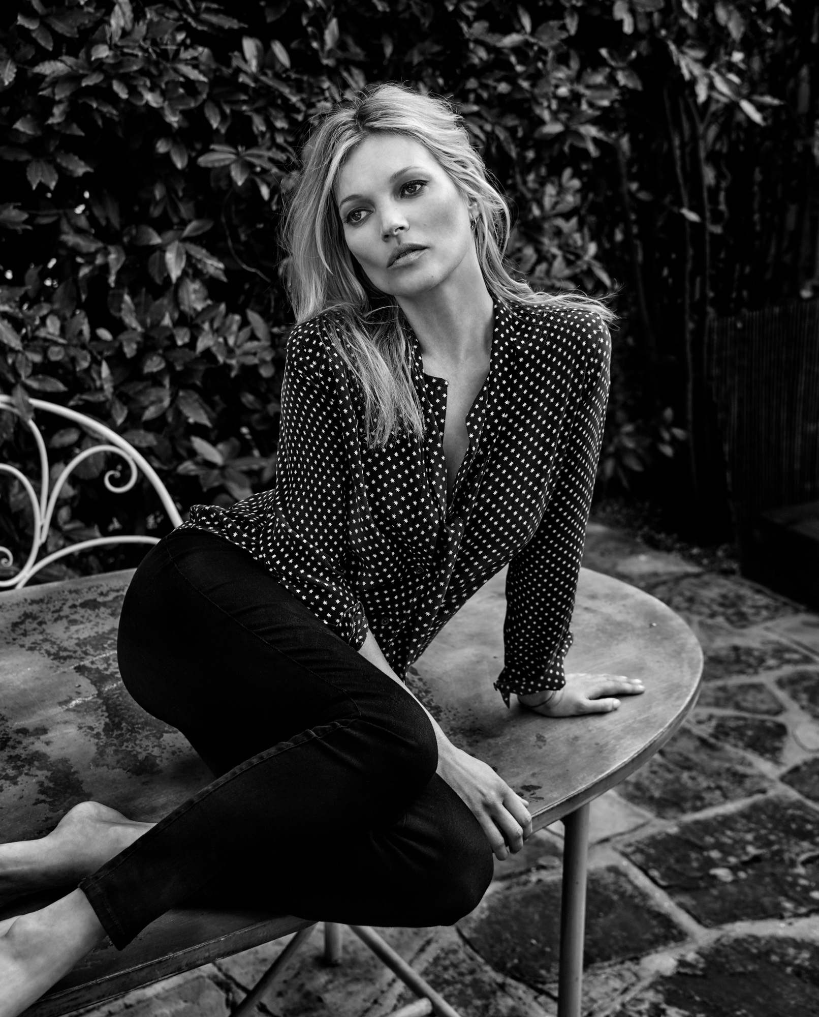 kate-moss-by-chris-colls-for-the-edit-june-2016-7.jpg